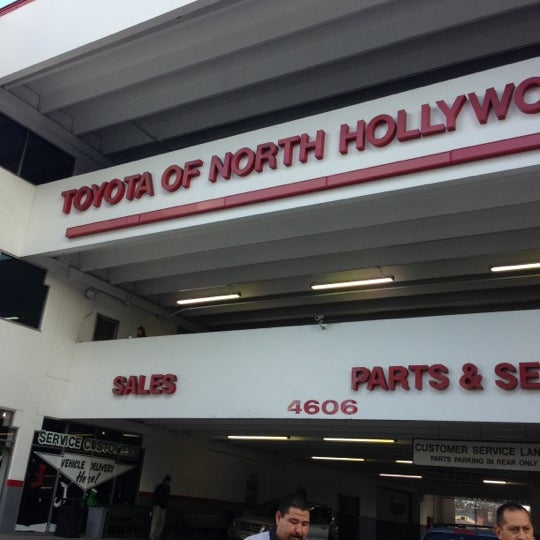 north hollywood toyota auto dealership in north hollywood. Black Bedroom Furniture Sets. Home Design Ideas