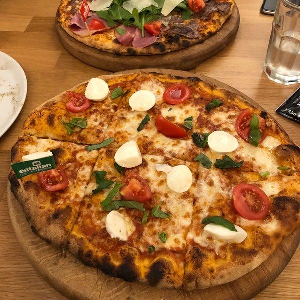 1/2/2018 tarihinde Ягиз А.ziyaretçi tarafından All Eatalian ( Pizza - Bakery - Breakfast )'de çekilen fotoğraf