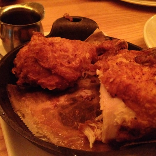 Photo taken at Yardbird Southern Table & Bar by Cookie G. on 9/16/2012