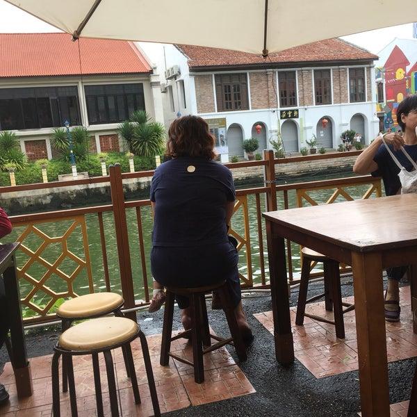 Photo taken at Cendol Jam Besar Melaka by Anis Atira M. on 5/7/2017