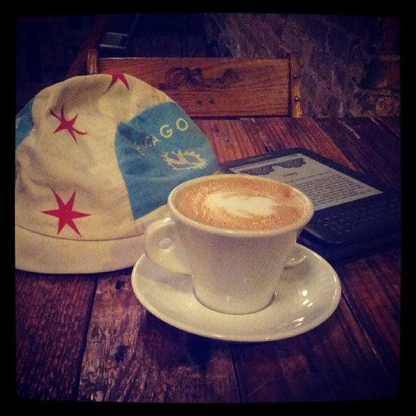 Foto tomada en Gaslight Coffee Roasters por Alec B. el 5/19/2013