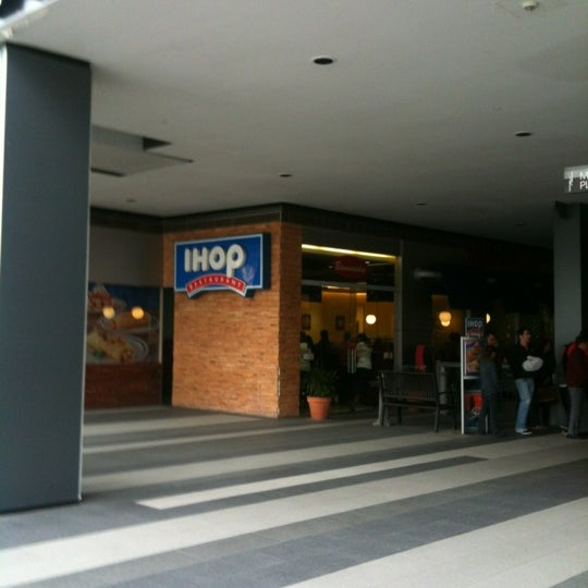 Photo taken at IHOP by Nacho M. on 10/27/2012
