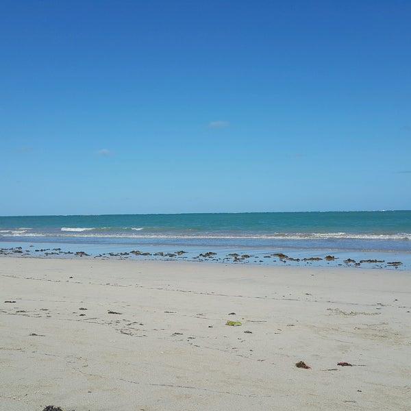 Foto tirada no(a) Praia de São Miguel dos Milagres por Gyselle M. C. em 9/18/2016