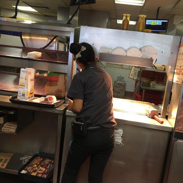 Photo taken at Burger King by Lechita C. on 6/3/2017
