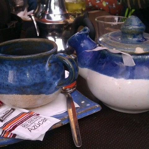 1/28/2013 tarihinde Luison C.ziyaretçi tarafından Café con Libros'de çekilen fotoğraf