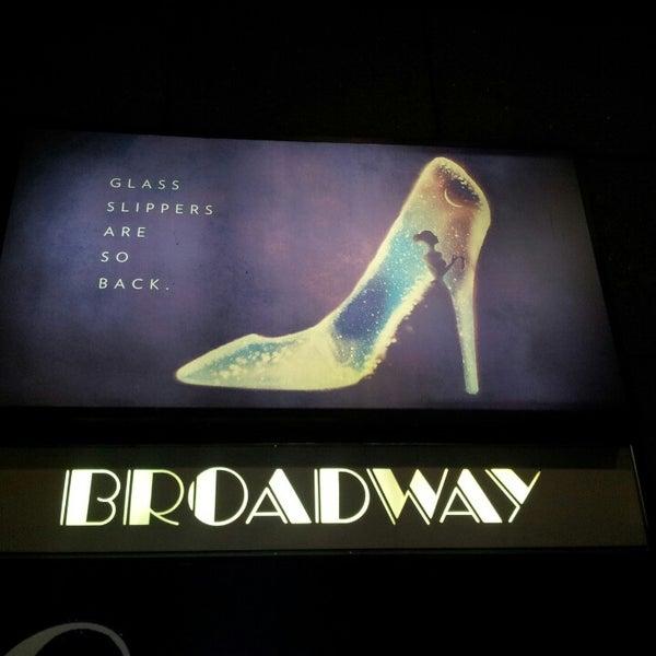 3/21/2013にOlajawon M.がBroadway Theatreで撮った写真