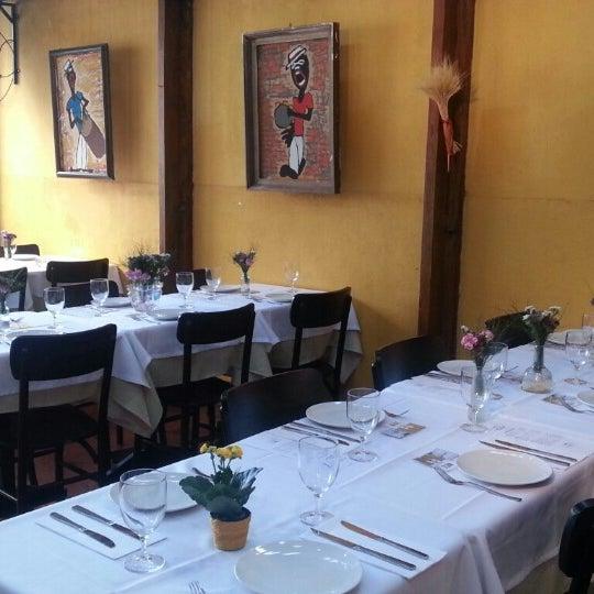 Foto tirada no(a) Zeffiro Restaurante por Pedro C. em 2/4/2013