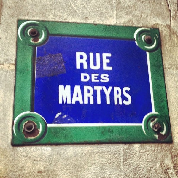 Rue des martyrs rochechouart 2 tips from 521 visitors for Miroir rue des martyrs