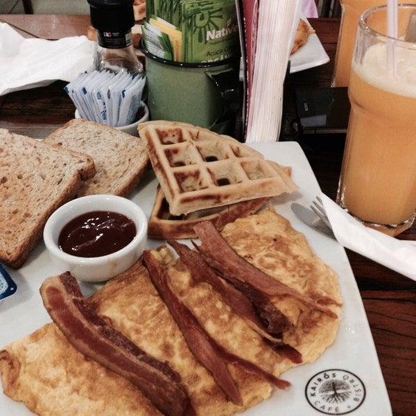Foto tirada no(a) Café Kairós por Carolina B. em 10/18/2014