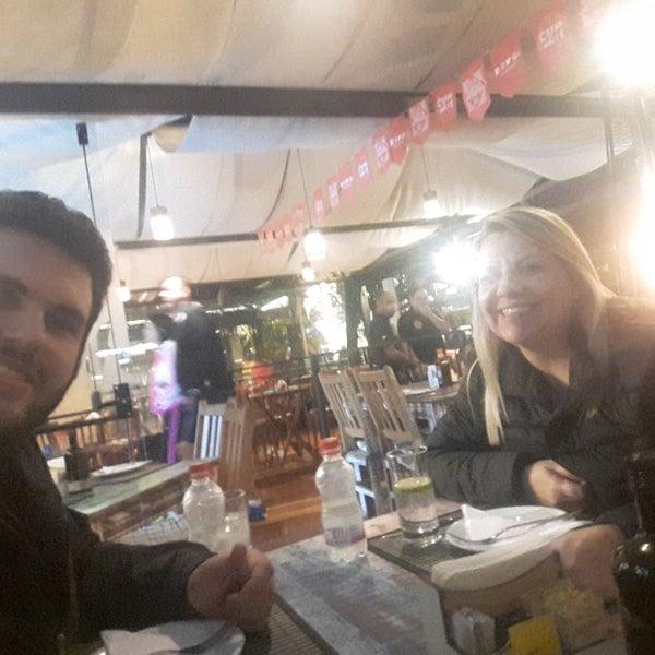 Foto diambil di Cantinho da Serra oleh Cristiane L. pada 2/3/2018