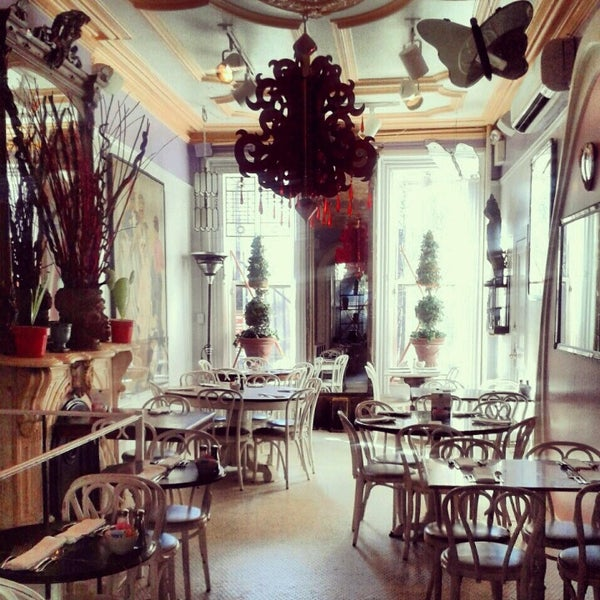 Photo taken at Serendipity 3 by Justin H. on 1/29/2013