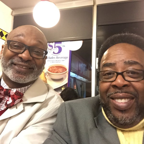 Photo taken at Waffle House by Vernon K. on 1/1/2016