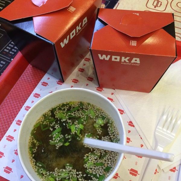 Снимок сделан в Woka Asia Food пользователем Anarochka O. 4/9/2015
