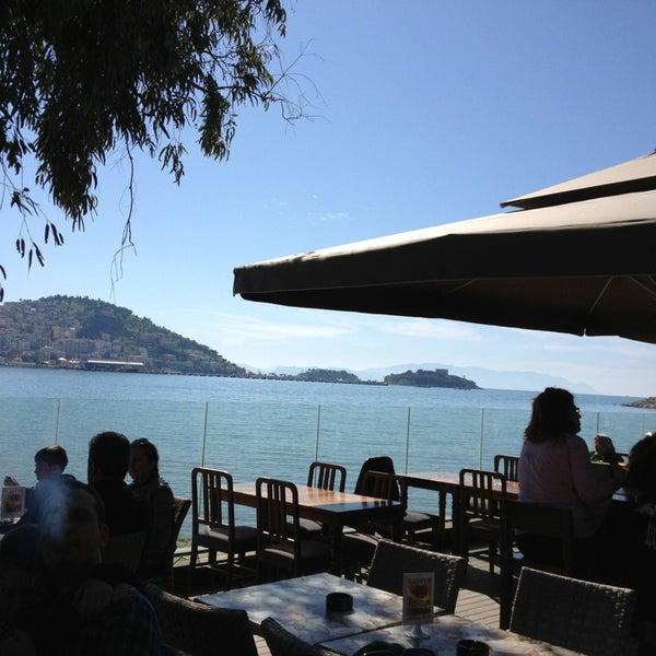 3/24/2013 tarihinde Ege U.ziyaretçi tarafından Cafe Marin'de çekilen fotoğraf