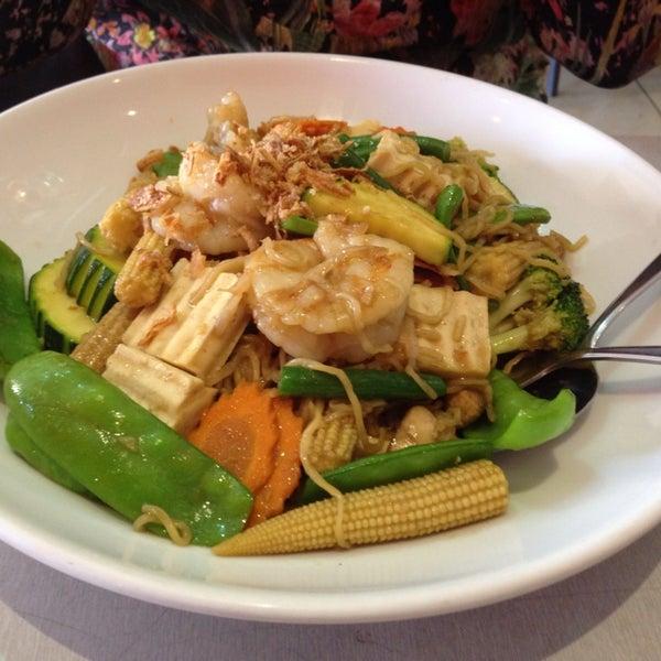 Photo taken at Taste of Thai by snarkyboojum on 2/8/2014