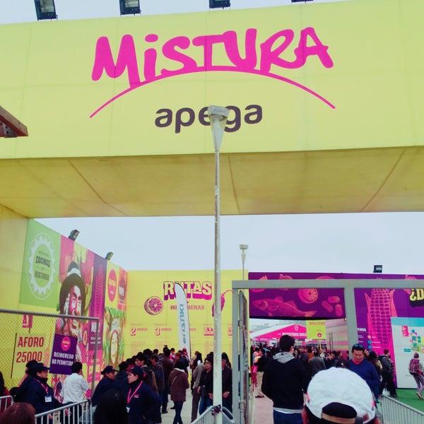 Photo taken at Mistura Perú by Miguel Angello M. on 9/4/2016
