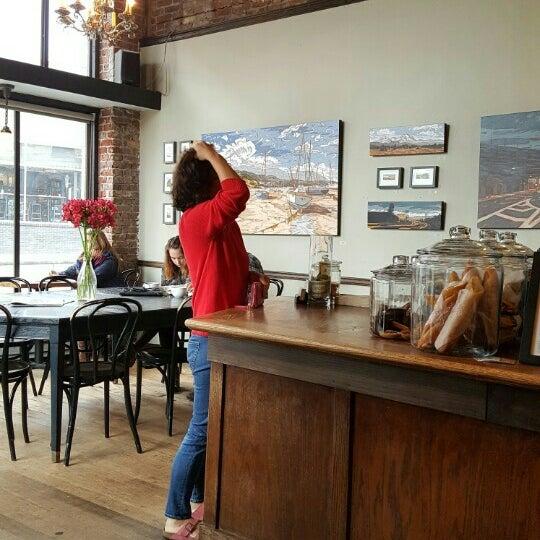 Photo taken at Coffeehouse Northwest by Ho-Seop K. on 5/22/2016