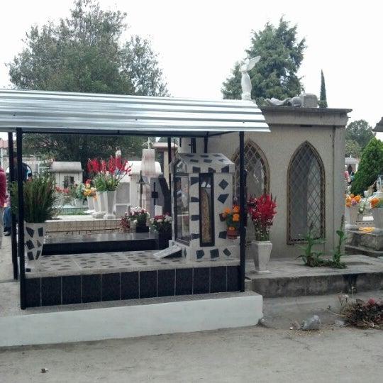 Fotos en panteon san isidro cementerio en ciudad de mexico for Jardines 6 san isidro