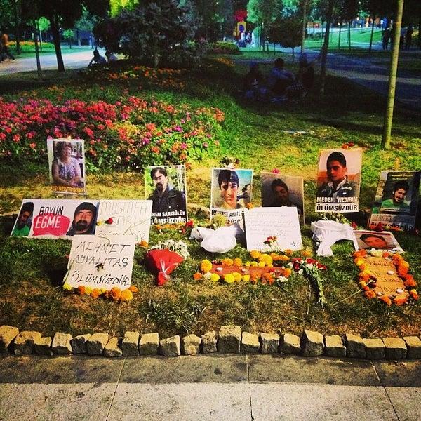 7/21/2013にNuran E.がTaksim Gezi Parkıで撮った写真