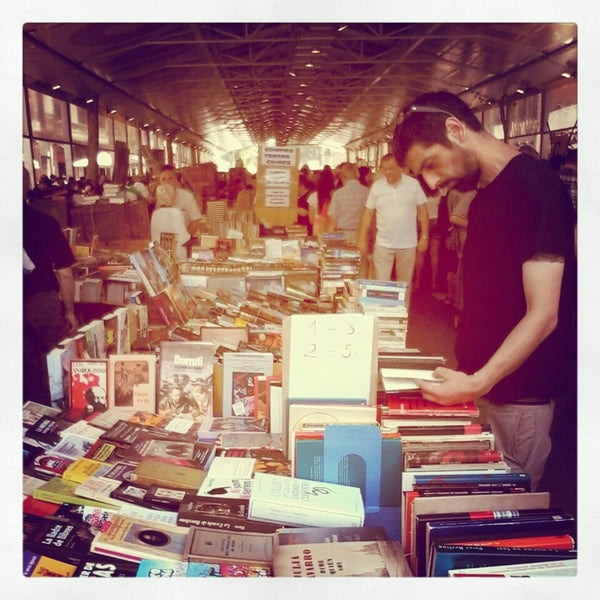 Mercat del llibre vell de sant antoni mercado de pulgas - Mercado segunda mano barcelona ...