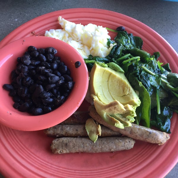Really good food! The Protein Machine breakfast was delicious! They have gluten free toast also.