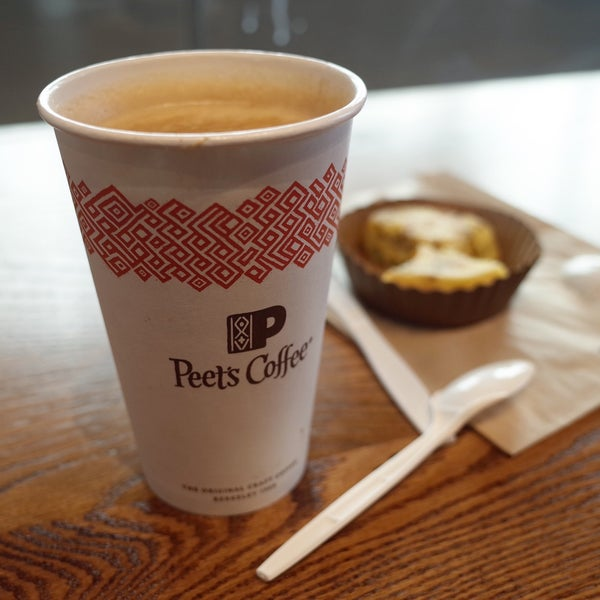 Photo taken at Peet's Coffee & Tea by In-young L. on 1/29/2017