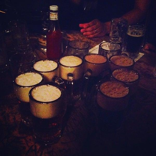 Photo prise au McSorley's Old Ale House par Peter C. le10/9/2013