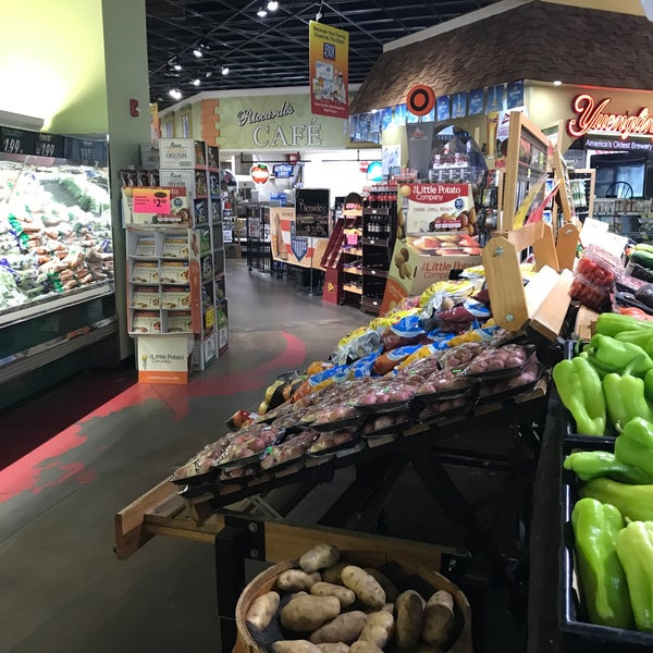 Das Foto wurde bei Riccardo's Market von Peter V. am 6/30/2017 aufgenommen