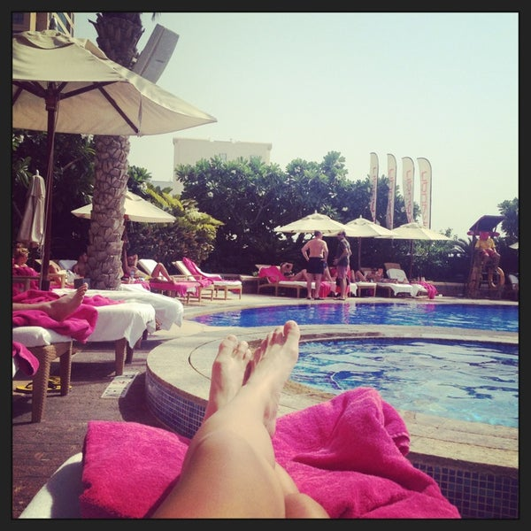 Photo taken at Shangri-La Hotel by airin a. on 7/3/2013