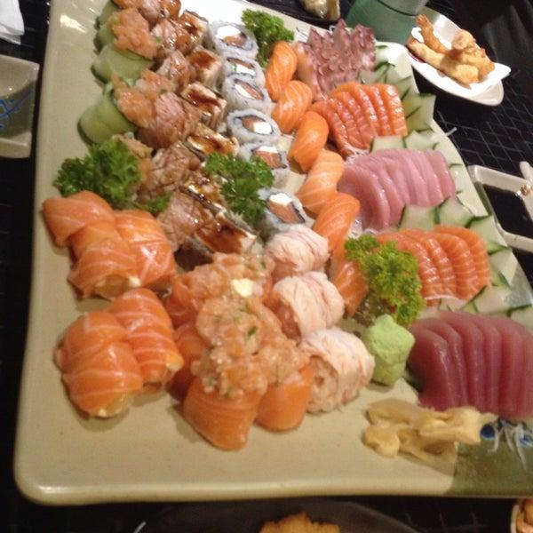 Photo taken at Joy Sushi by Pedro R. on 12/11/2015