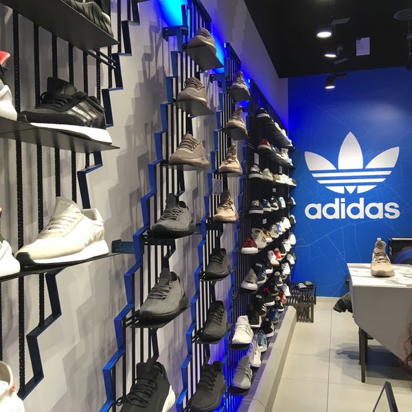adidas - Sporting Goods Shop in Paris