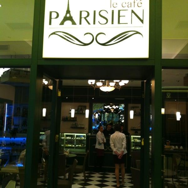 Снимок сделан в Le Café Parisien пользователем Igor M. 2/15/2013