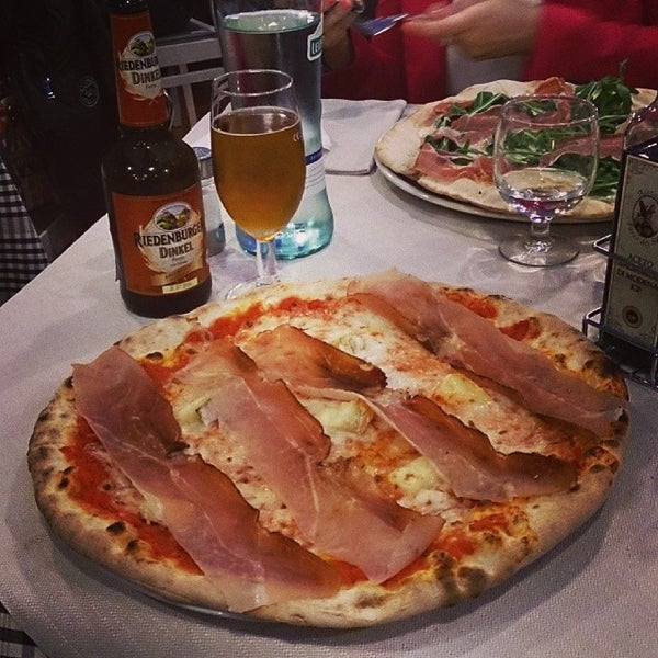 Photo taken at Canasta Pizzeria & Ristorante by Alessandro P. on 3/15/2014