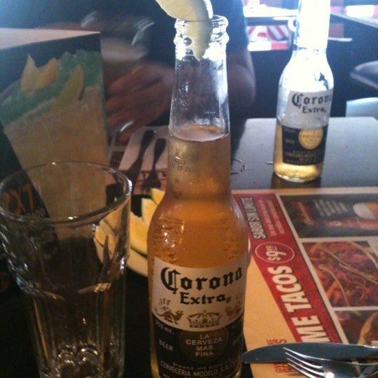 Photo taken at TGI Friday's by Gaby P. on 9/1/2012