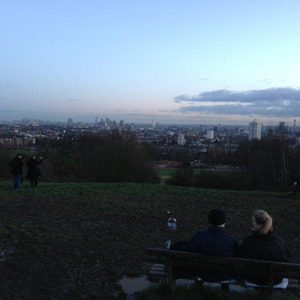 1/1/2013 tarihinde Gleb B.ziyaretçi tarafından Hampstead Heath'de çekilen fotoğraf