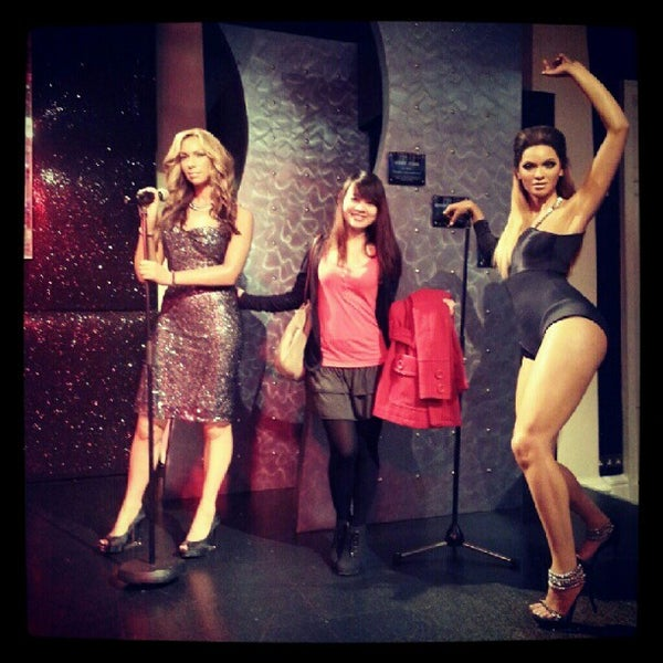 Photo taken at Madame Tussauds by Tan A. on 12/18/2012