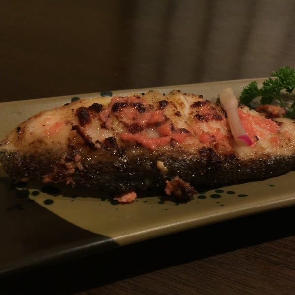 Photo taken at Hyotan Japanese Restaurant by Renee L. on 5/28/2015
