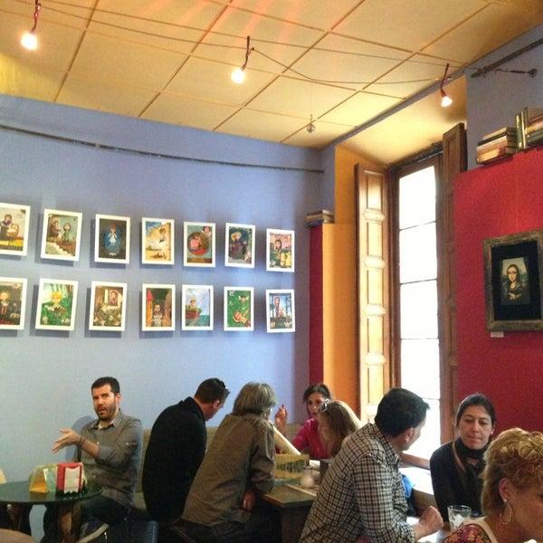 5/19/2013 tarihinde Gaston L.ziyaretçi tarafından Café con Libros'de çekilen fotoğraf
