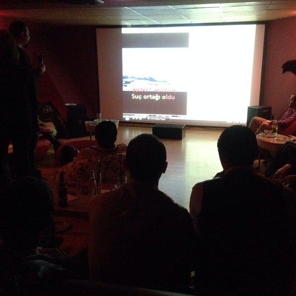 2/15/2014 tarihinde Erdoğan B.ziyaretçi tarafından Kafika - Kaçırdığınız Filmler Kahvesi'de çekilen fotoğraf