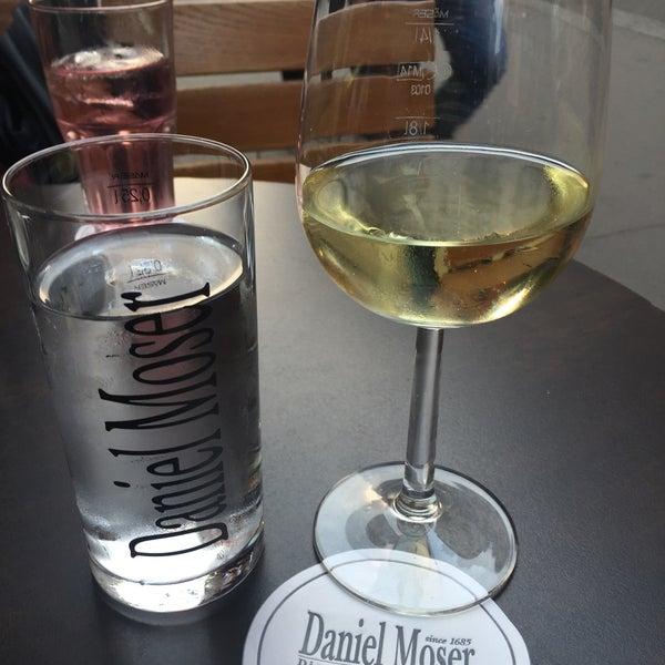 Das Foto wurde bei Café Daniel Moser von Naomi L. am 9/11/2015 aufgenommen
