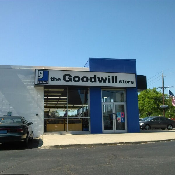 the goodwill store 3 tips from 407 visitors. Black Bedroom Furniture Sets. Home Design Ideas