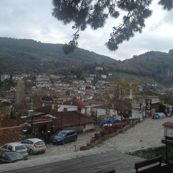 1/6/2013 tarihinde Sole Mio o.ziyaretçi tarafından Şirince Artemis Şarap ve Yöresel Tadlar Evi'de çekilen fotoğraf