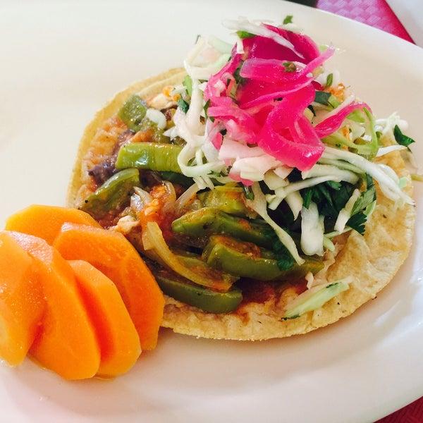Restaurante los alcatraces restaurante mexicano en cancun for Los azulejos restaurante mexicano