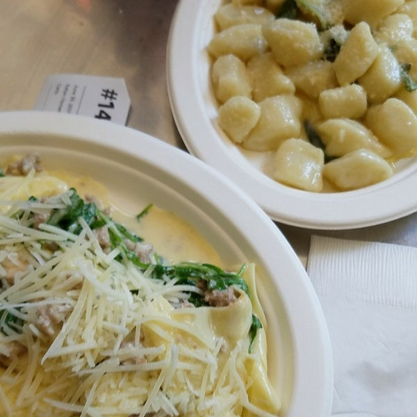 The fresh pasta is amazing! Highly recommend the gnocchi 👍