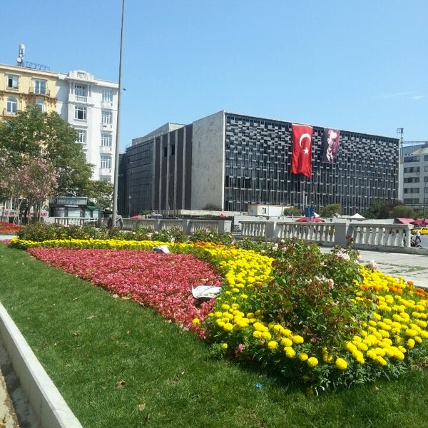7/11/2013にAl'mithara M.がTaksim Gezi Parkıで撮った写真