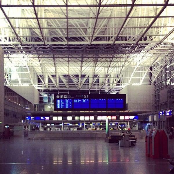 Das Foto wurde bei Frankfurt Airport (FRA) von Maximilian M. am 6/21/2013 aufgenommen