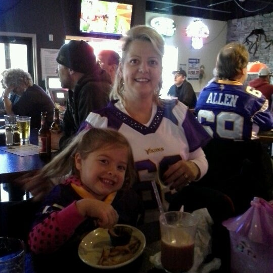 Photo taken at Sak's Sports Bar by Vanessa P. on 10/14/2012