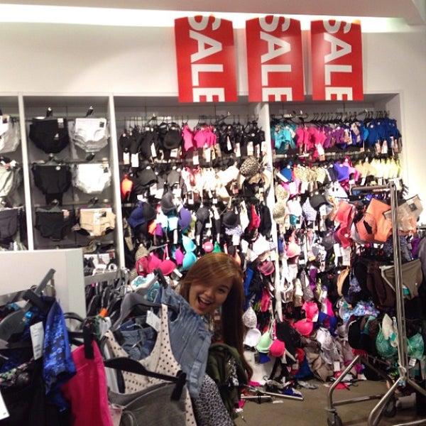 Photo taken at H&M by Ellard C. on 6/16/2013