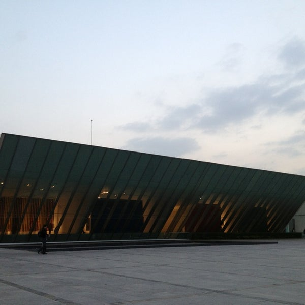Foto tomada en MUAC (Museo Universitario de Arte Contemporáneo). por M i s h e l l O. el 2/17/2013