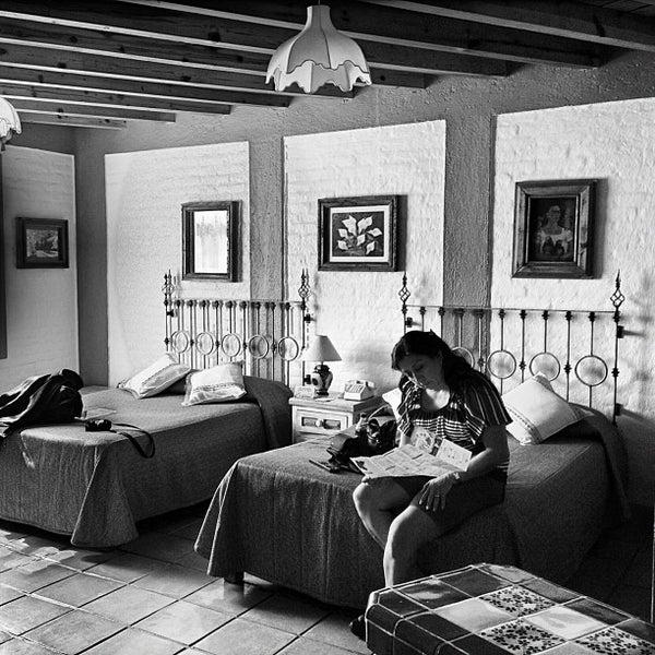Foto tomada en El Mesón de los Poetas por Guendanadxi el 11/2/2012
